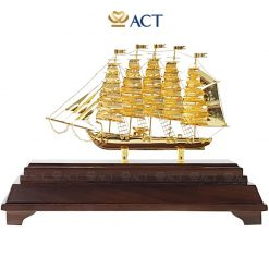 Biểu trưng thuyền buồm mạ vàng